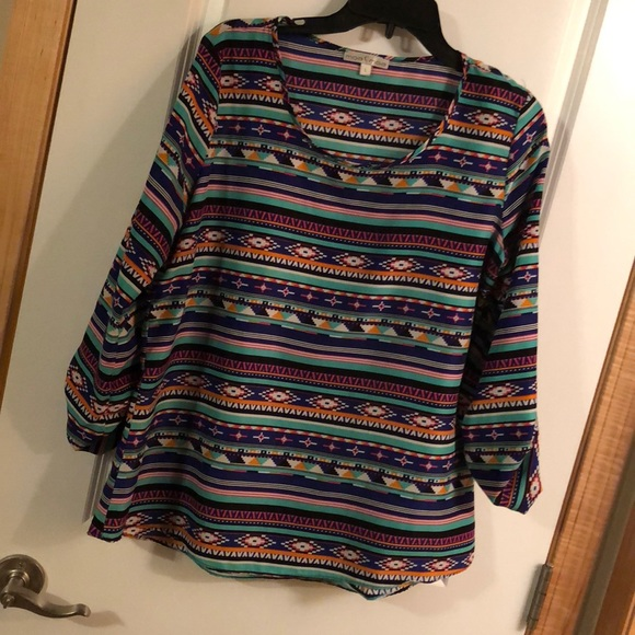 Off moa tops tribal design quarter sleeve top
